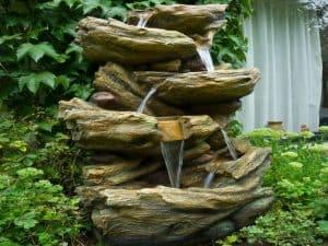 fontaine de jardin pierre