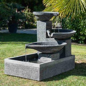 fontaine de jardin dessin