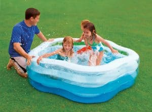 piscine gonflable compacte