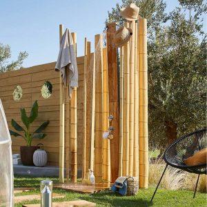 douche solaire en bois