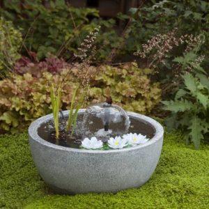 fontaine de jardin compacte