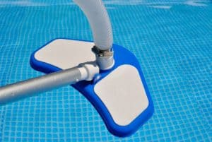 balai de piscine