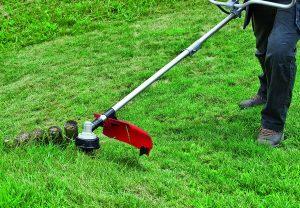 débroussailleuse thermique pour la pelouse