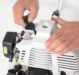 demarrer une débroussailleuse thermique